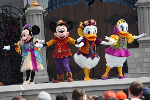 os-disney-mickeys-royal-friendship-faire